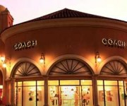 25-65% OFF at Las Americas Outlets
