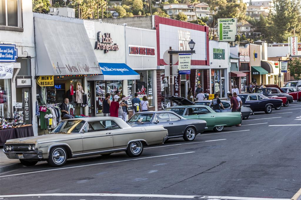 Historic La Mesa Village Offers Dining Shopping And Entertainment - Mesa car show